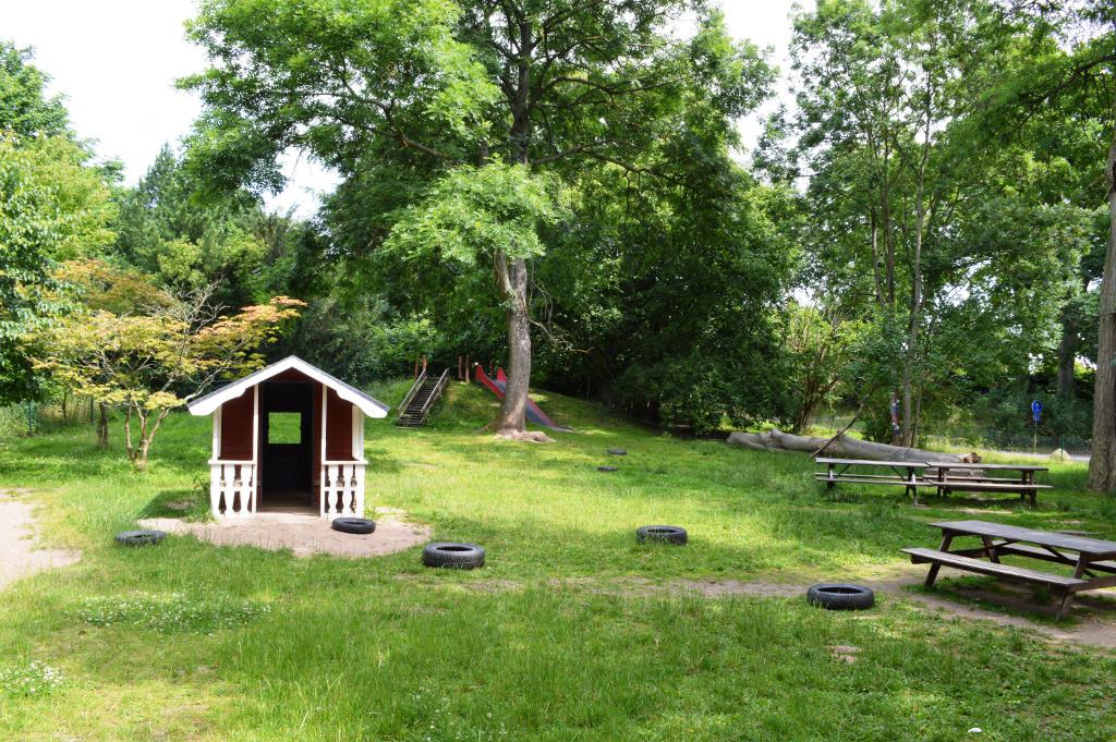 Lekloftets stora trädgård